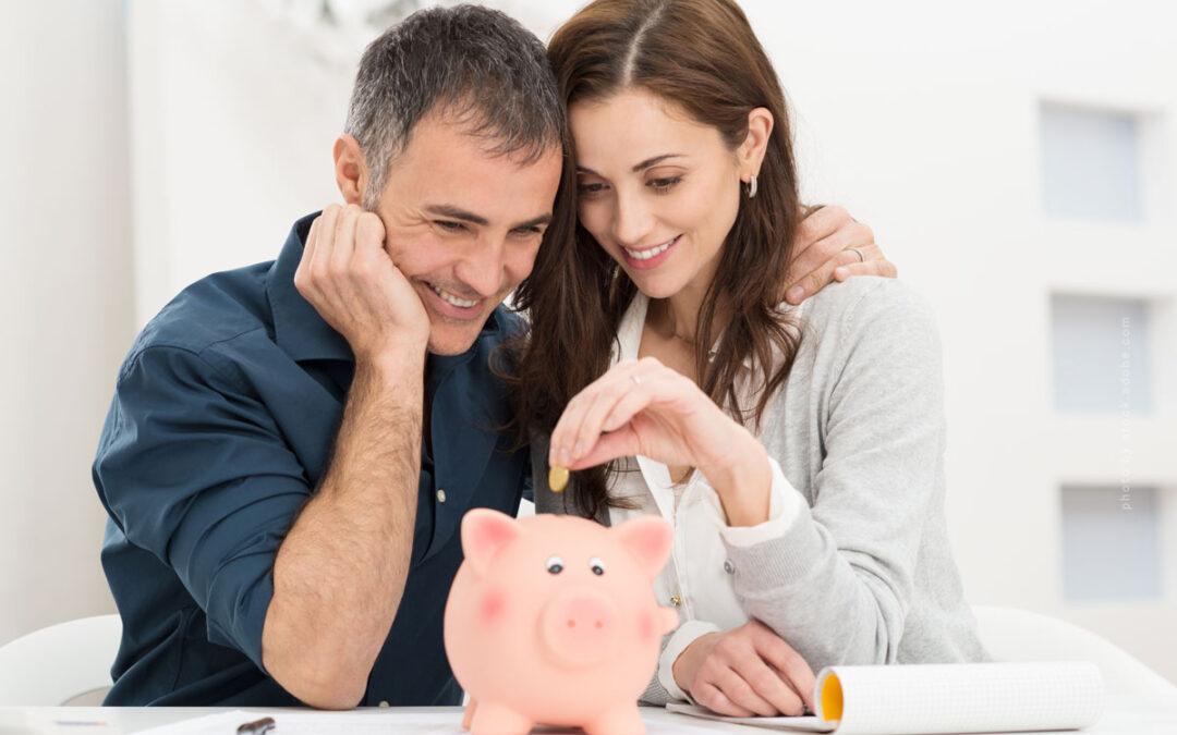 Sparen: Steuererklärung (1.007 Euro im Jahr), Verträge, Versicherung, Einkauf & Co.