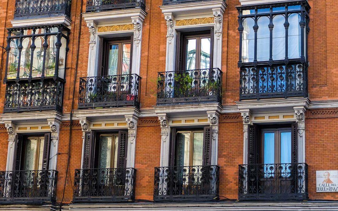 Warum in Immobilien investieren? Gründe & Vermögensaufbau: Darlehen, Mieter und Mietzins & Staatliche Förderung