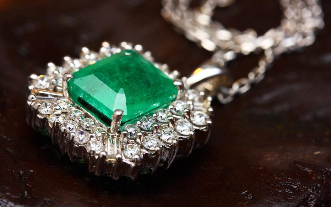 Jade Mineral & Geldanlage: Verwendung, Qualitätskriterien & Kaufratgeber