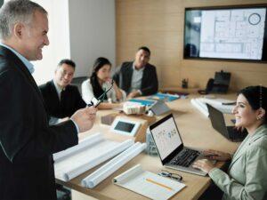 Corporate Real Estate Manager werden: Tätigkeit, Gehalt, Voraussetzung & Studium